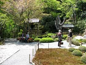http://kyoto.asanoxn.com/places/ohara/jakkoin/ph0605jakkoin04keidai1.jpg